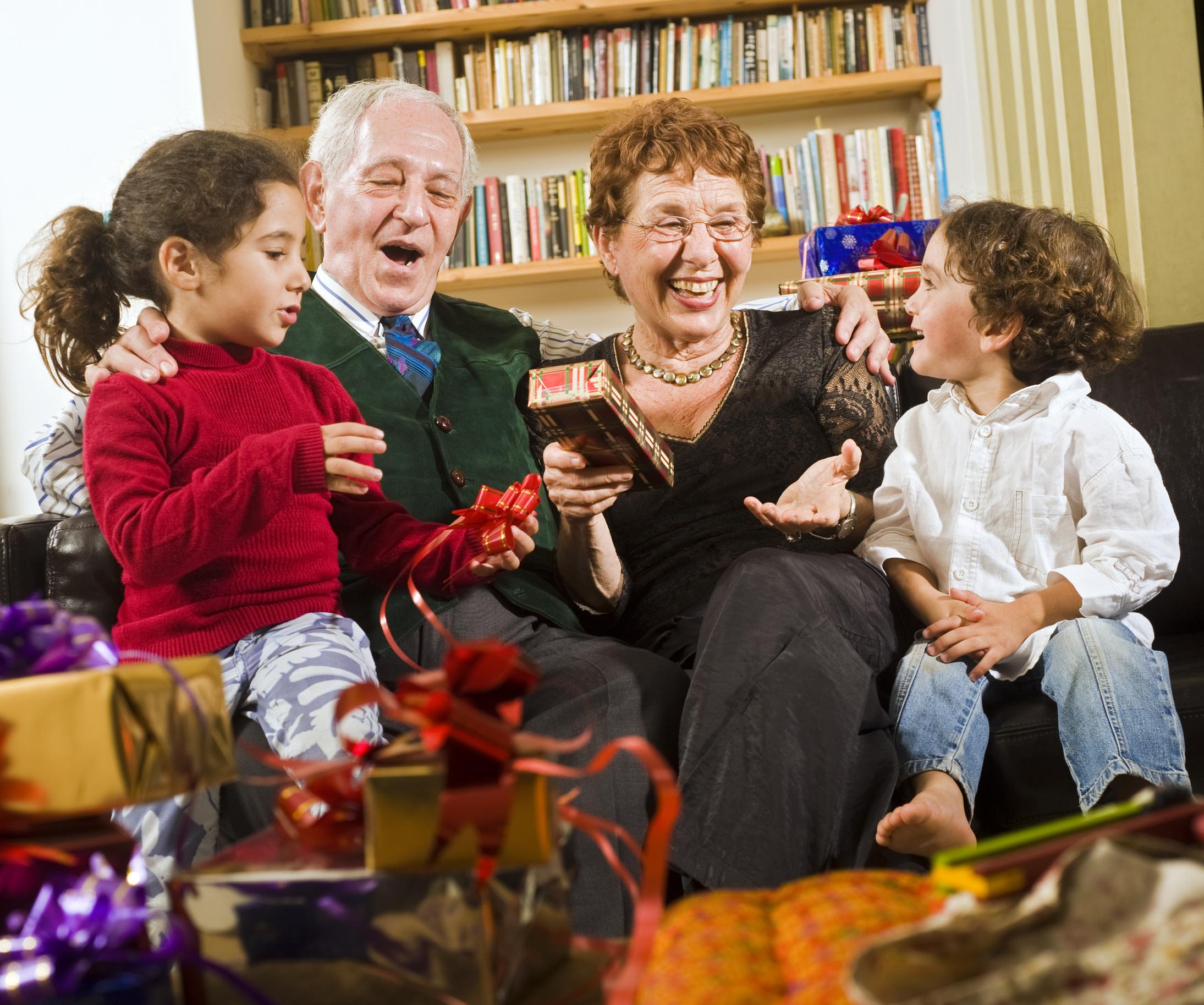День рождения папы в кругу семьи сценарий